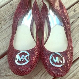 New MK Michael Kors bendable Ballet flats size 8